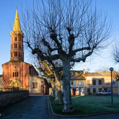 Place de l'église Longages